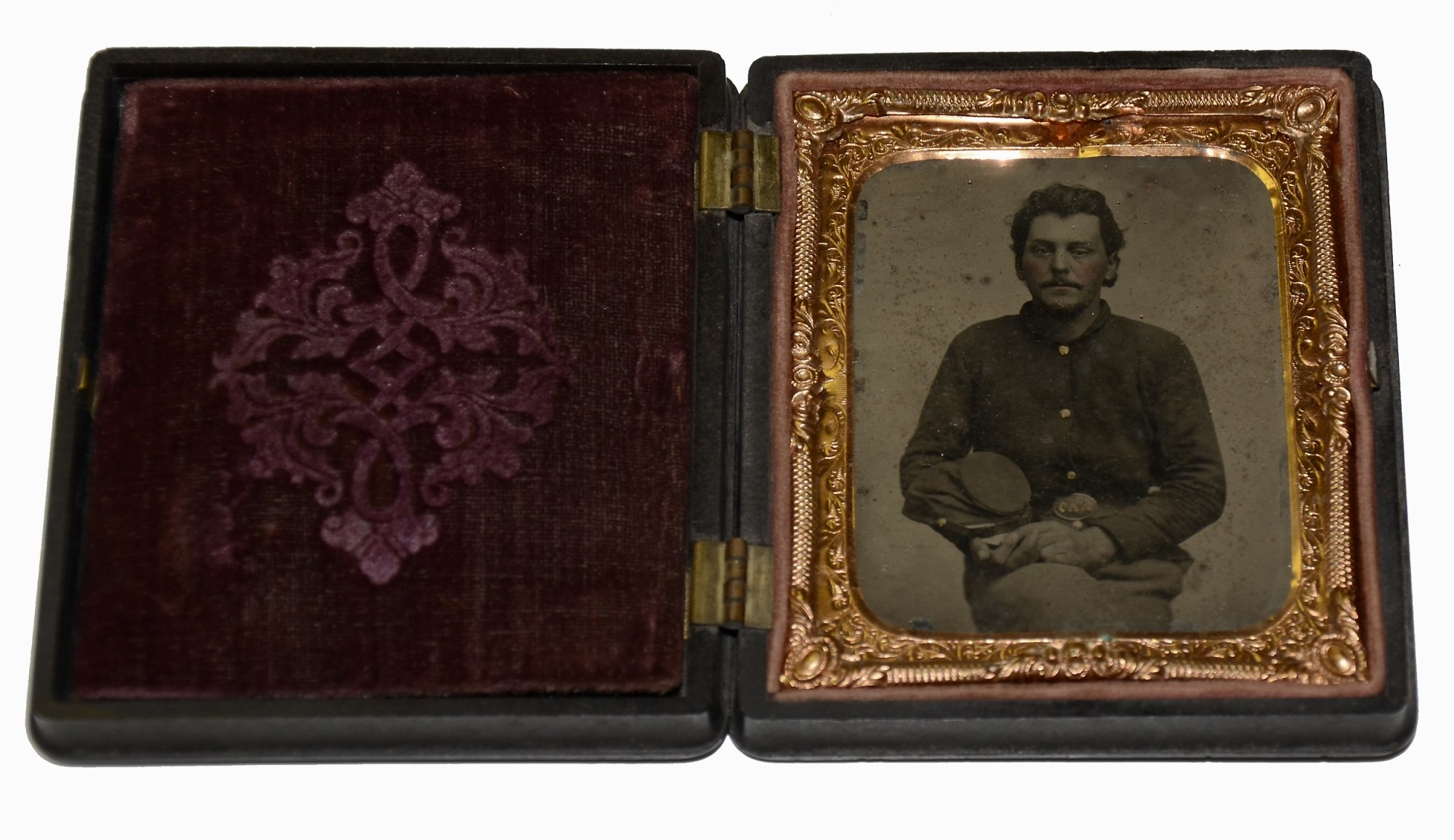 SIXTH PLATE TINTYPE OF OHIO SOLDIER WITH OVM PLATE
