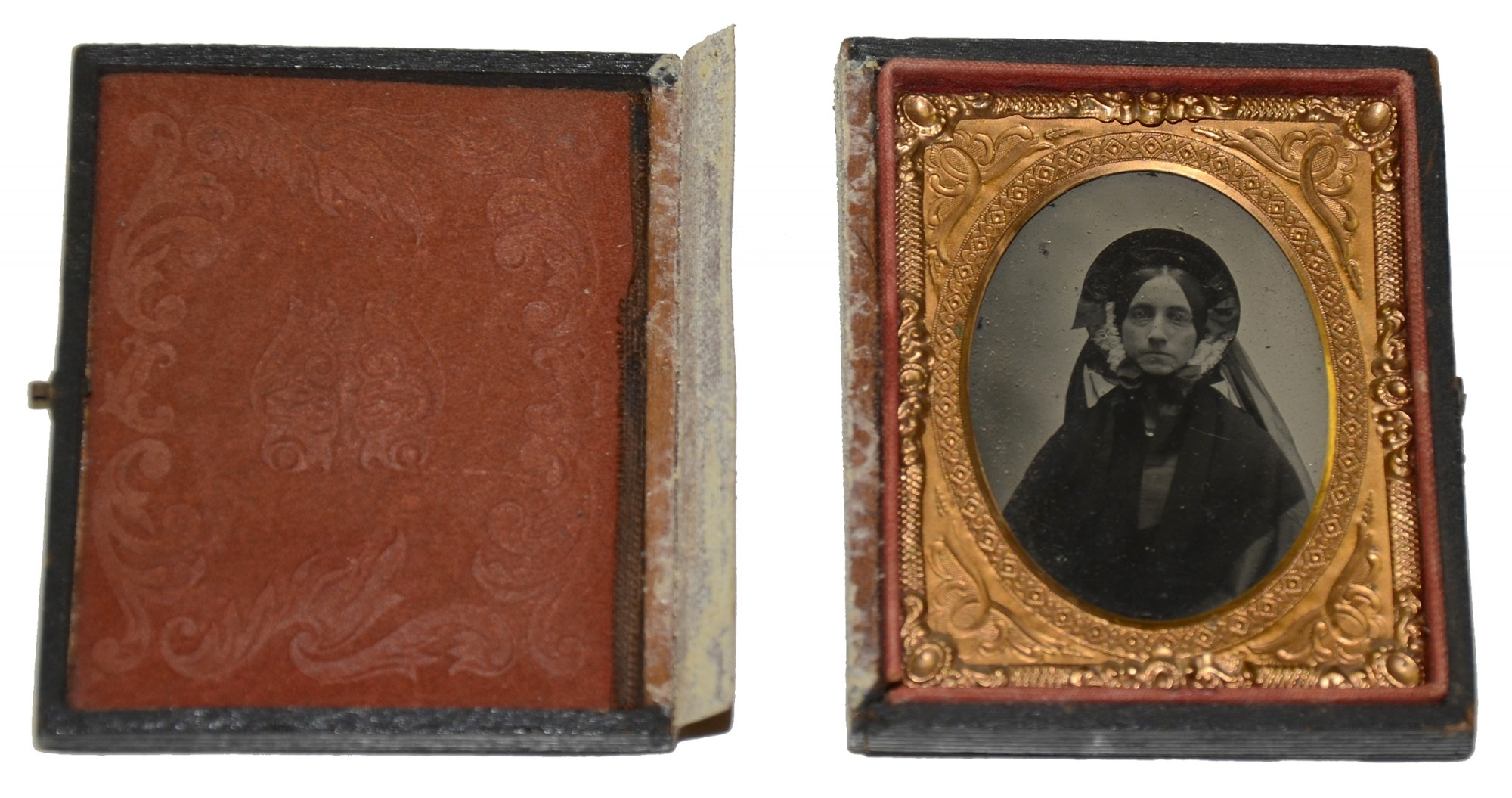 NINTH PLATE AMBROTYPE OF WOMAN IN MOURNING