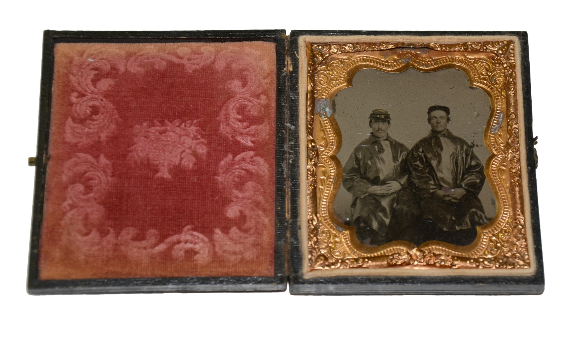 SIXTH-PLATE TINTYPE OF TWO UNION SOLDIERS IN RAIN COATS