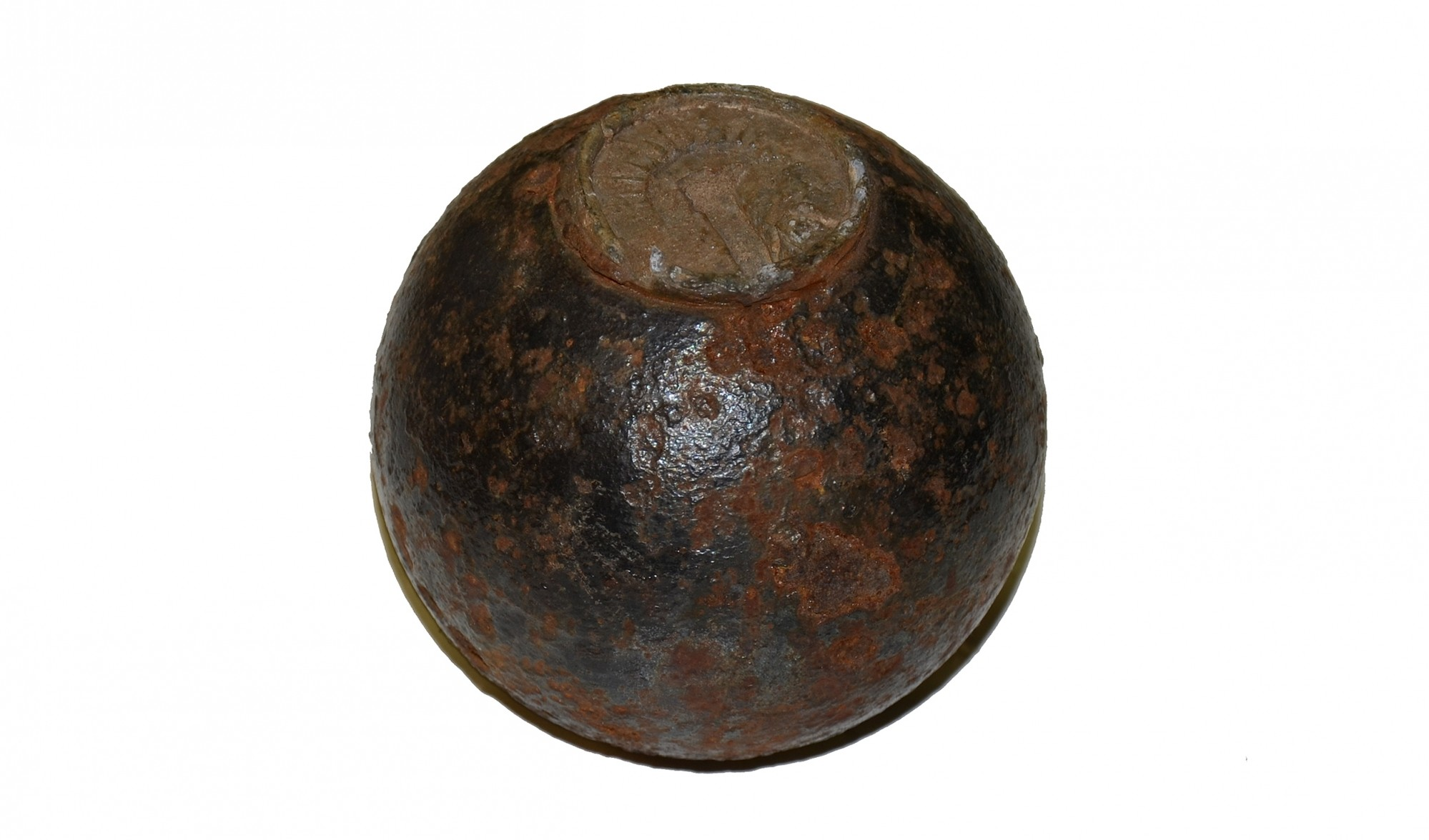 CONFEDERATE 3.67 INCH 6 POUNDER SPHERICAL SHELL WITH COPY OF BORMANN FUSE