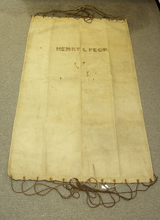 1870s US NAVY HAMMOCK ID'D TO FORMER PVT. HENRY L. PECK, 7TH CONNECTICUT VOLUNTEERS