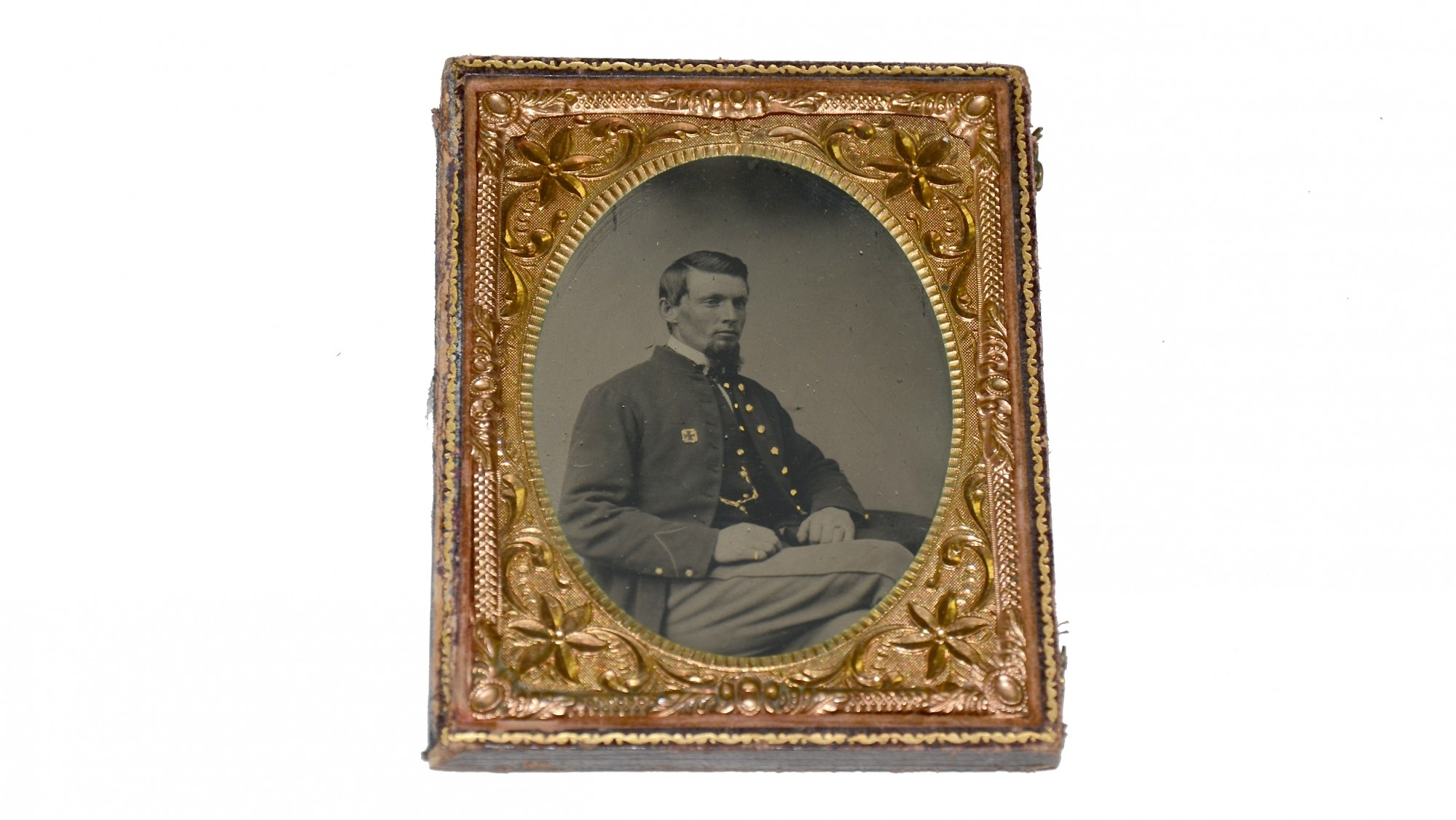 TINTYPE OF SOLDIER WEARING 5TH CORPS BADGE
