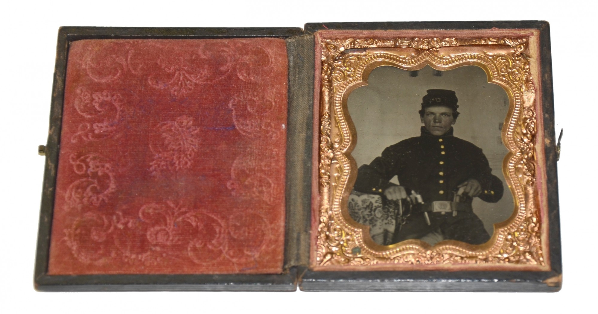 SIXTH PLATE TINTYPE AND LADDER BADGE ID'D TO 124TH ILLINOIS SOLDIER WHO CLAIMED A CONNECTION TO BOTH ABRAHAM LINCOLN & JEFFERSON DAVIS