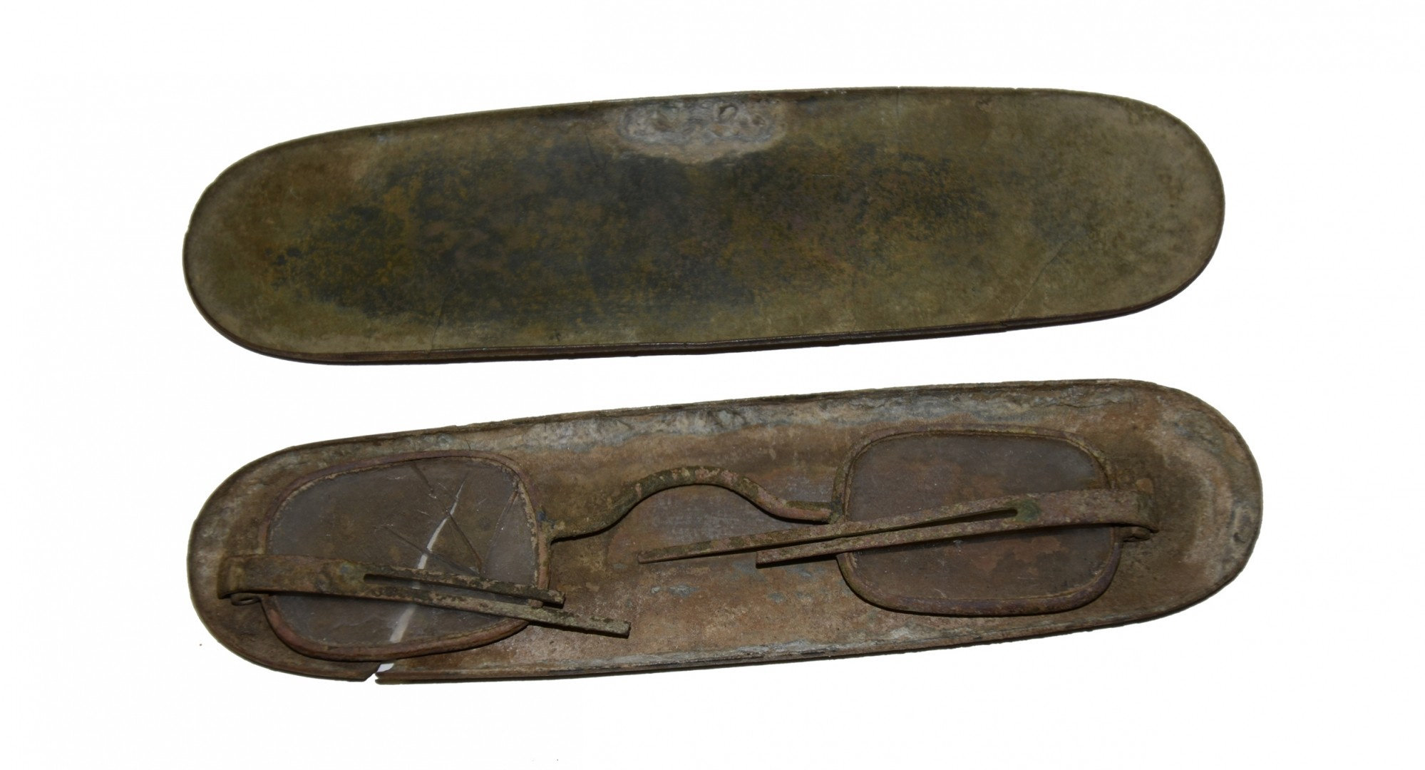 PAIR OF EYE GLASSES IN THE ORIGINAL CASE DUG IN REB TRENCH AT SPOTSYLVANIA - GAVIN COLLECTION
