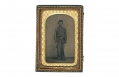 1/8 PLATE TINTYPE OF AN ARMED FEDERAL CAVALRY OR ARTILLERYMAN