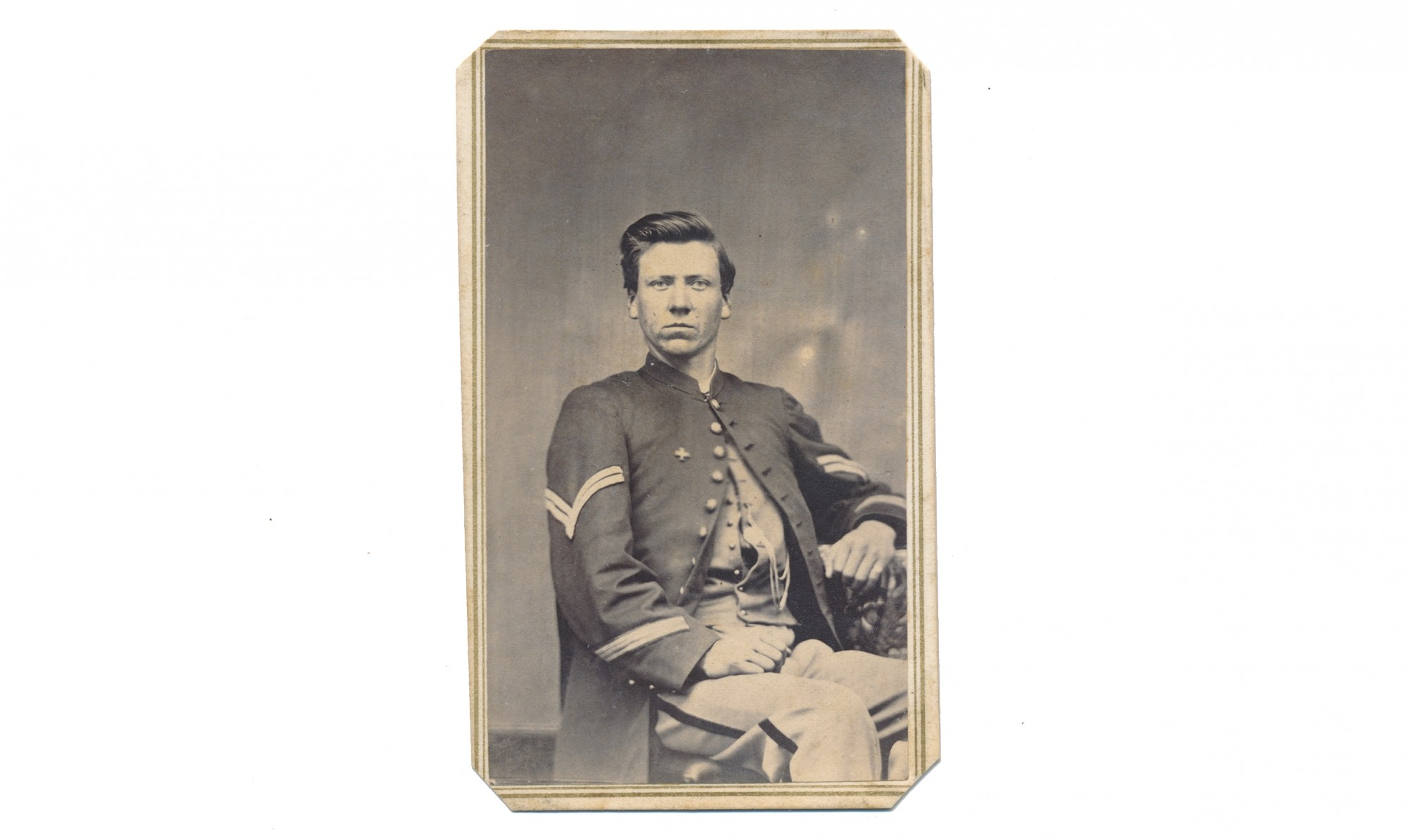THREE-QUARTER SEATED VIEW CDV OF 4TH VERMONT CASUALTY