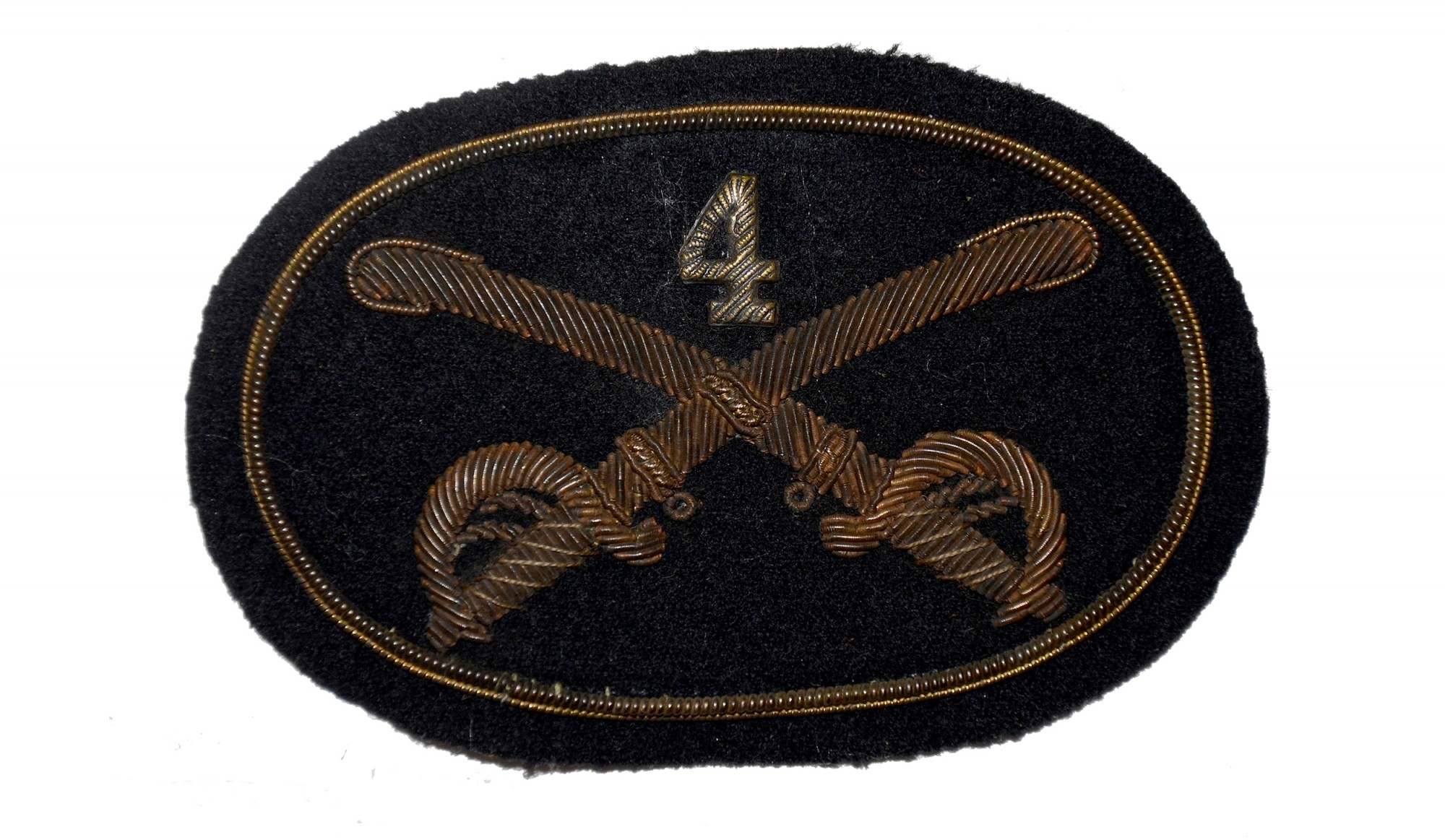 OFFICER'S 4TH CAVALRY HAT INSIGNIA