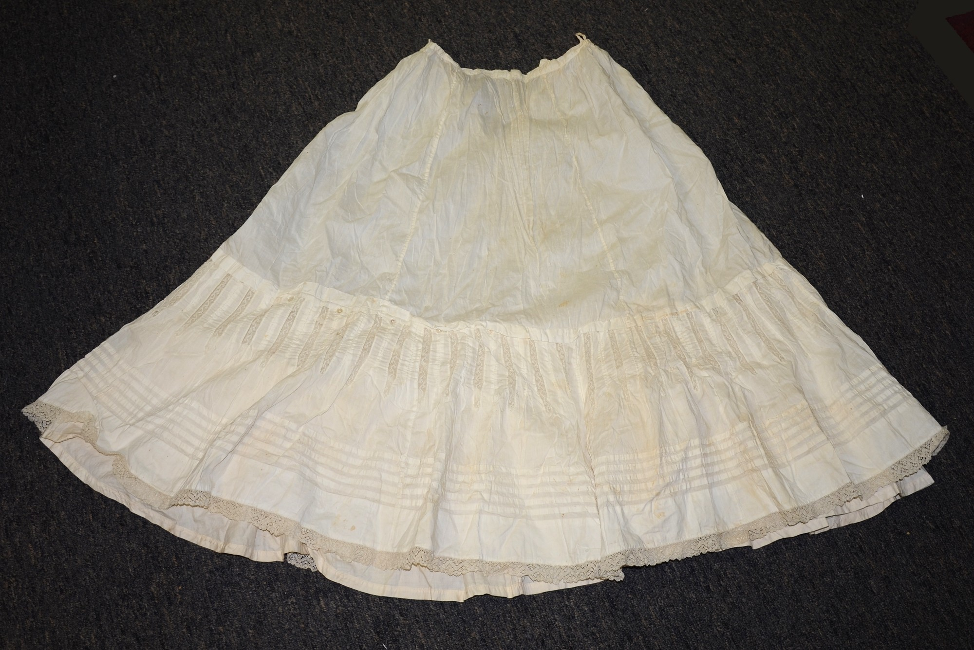 WHITE COTTON VICTORIAN PETTICOAT