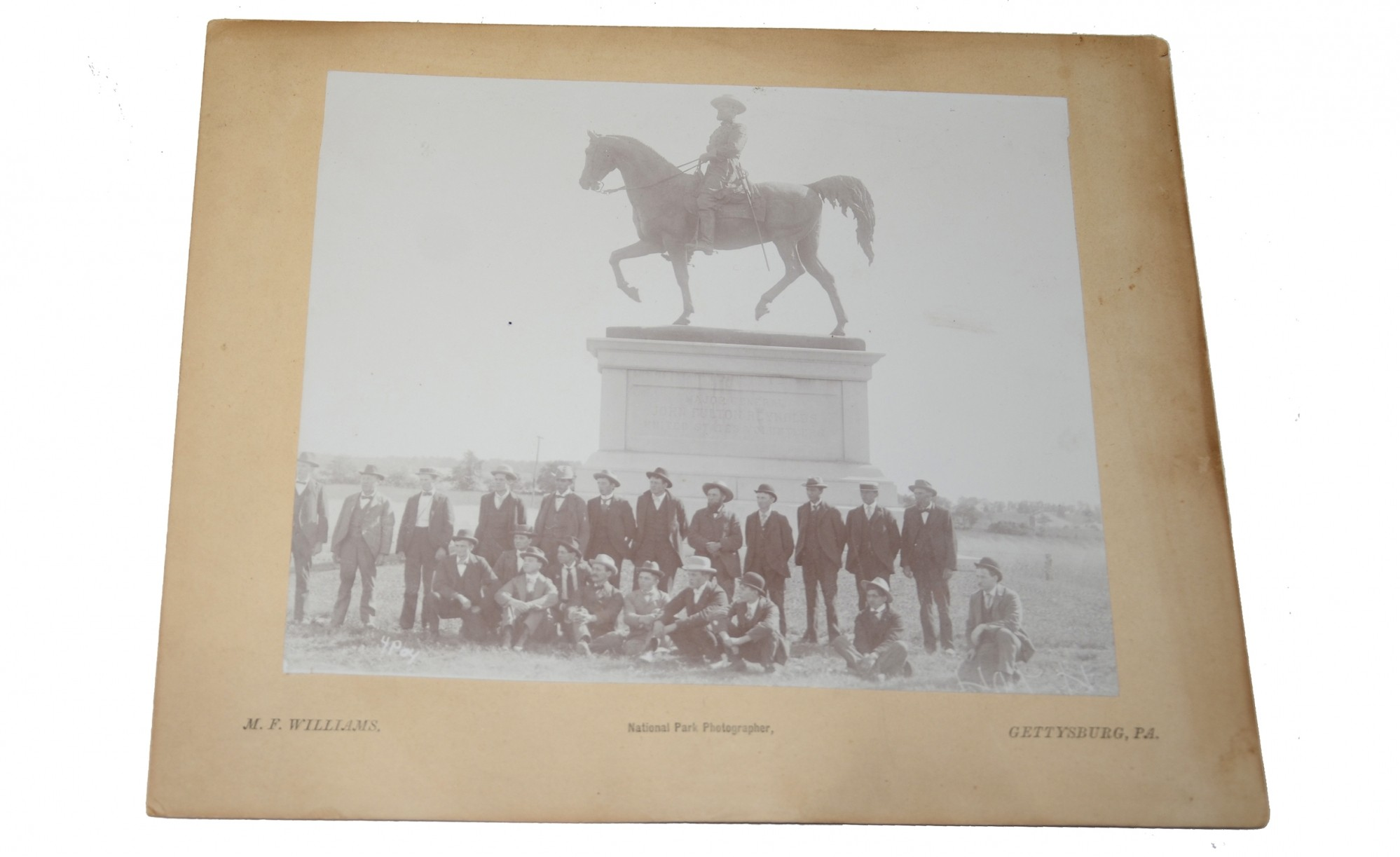 PHOTO OF GROUP OF TOURISTS ON GETTYSBURG BATTLEFIELD, LATE 19TH OR EARLY 20TH CENTURY