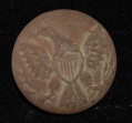 US ENLISTEDMAN'S GENERAL SERVICE EAGLE JACKET BUTTON RECOVERED AT THE KLINGEL FARM, GETTYSBURG