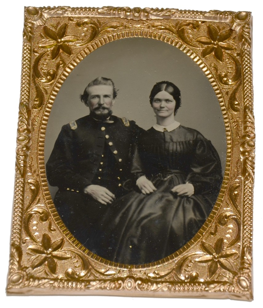 BRIGHT CLEAR 1/4 PLATE TINTYPE OF UNION OFFICER AND WIFE