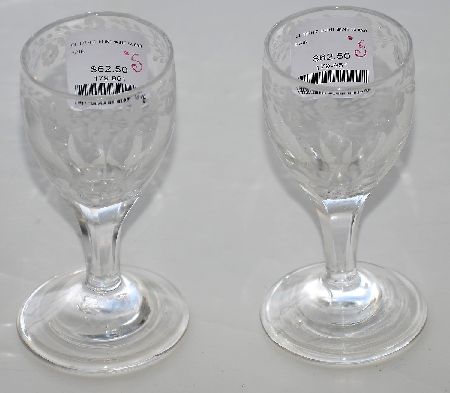 PAIR OF 18TH CENTURY ETCHED CORDIAL WINE GLASSES