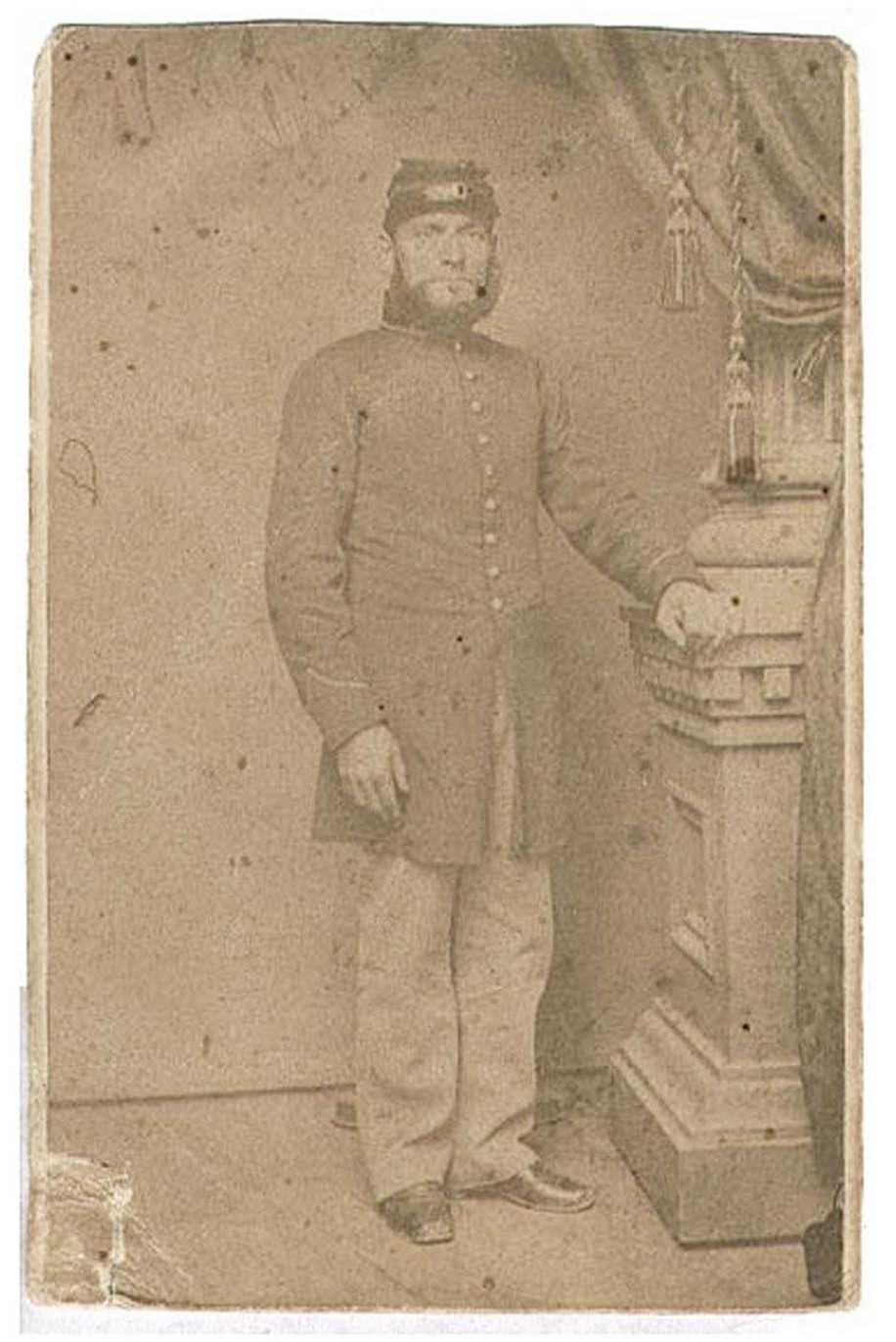 ID'D CDV FULL LENGTH VIEW - MAHLON H. PULLMAN, 34TH PENNSYLVANIA INFANTRY