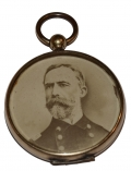 LOCKET WITH IMAGE OF REAR ADMIRAL WILLIAM T. SAMPSON, HERO OF THE SPANISH AMERICAN WAR