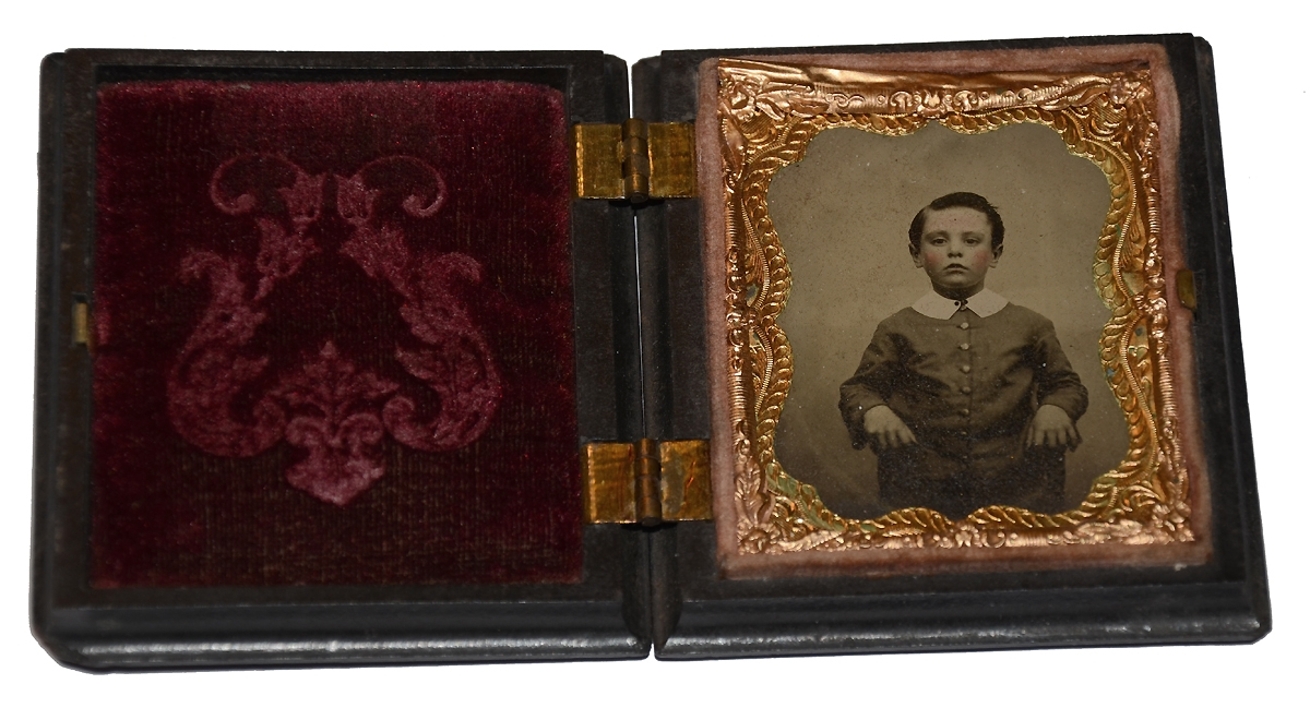 NINTH PLATE AMBROTYPE OF A WONDERFUL LITTLE BOY IN UNION CASE