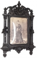 RECTANGULAR THERMOPLASTIC FRAME WITH PHOTO OF LATE 19TH CENTURY WOMAN